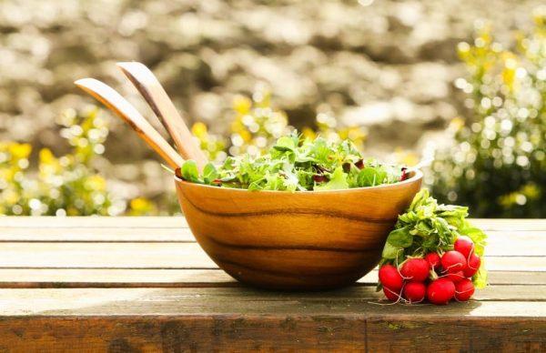 schaal salades, slaschaal, houten schaal, kinta