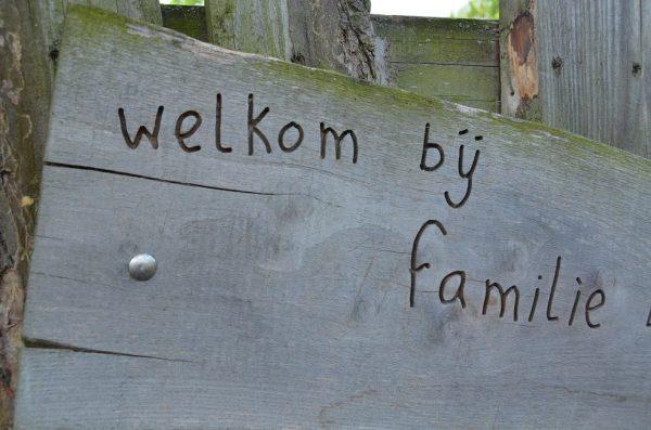 houten tekst graveren