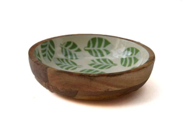 houten schaal groene bladeren
