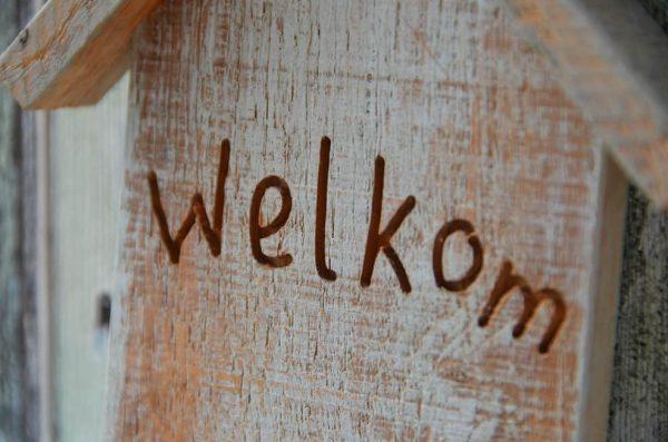 houten bord tekst graveren