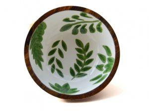 houten schaaltje groene bladeren